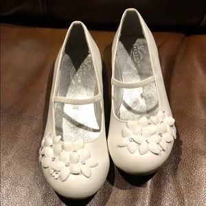 Kenneth Cole Reaction sz 3 Perfect for Easter!🐰